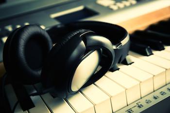 Keyboard & ear phones